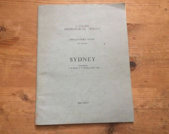 Sydney by j h bryan geological series 1966 Pamphlet  paperback book