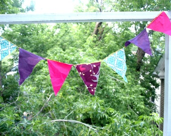 Party flags: pink/ purple/ blue