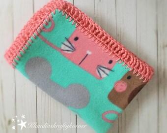 Fleece blanket| Baby blanket| Fleece and Crochet Baby Blanket| crochet blanket| Stroller blanket| Fleece baby blanket| large blanket| Fleece