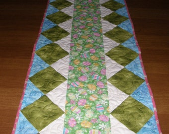 Easter Quilted Table Runner, Table Runner Quilt, Patchwork Easter Table Runner, Pastel Blue Green Pink Table Runner, Quiltsy Handmade