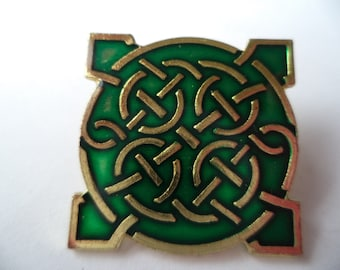 Vintage Signed L J Young Green Celtic Pin Tac  Small