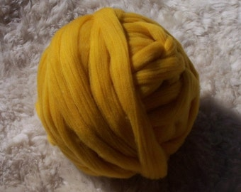 Gold Ochre dyed Merino top for spinning, felting, knitting        8 ounces