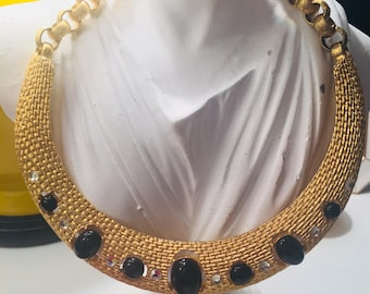 Vintage stunning gold and black cabochon stone collar... so dramatic