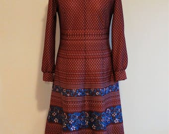 Vintage 1970s Maroon Floral Knee Length Dress