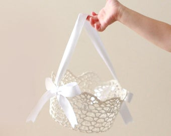 Lace flower girl basket, ROUND white lace basket, Simple flower girl bag, Stiffened crochet lace, Classic white lace basket - 5""