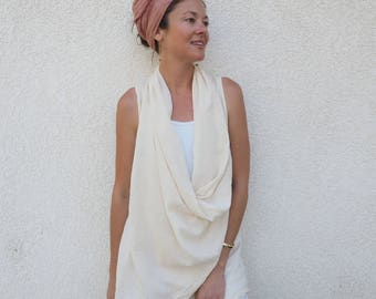 Gauze Flowy Vest in CREAM // Natural Fiber, Breathable /Wood Buttons Close It Up