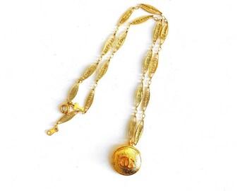 Vintage Medium Gold Designer Button Trifari Necklace