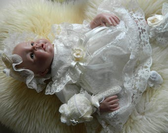 Reborn/Newborn Baby dress+ IN CREAM lace and  cream polycotton/reborn dolls clothes baby homecoming Valentines day