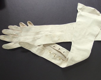 Vintage Gloves - Opera Length Ivory Kid Leather Mousquetaire Gloves, Possibly Size 5.5 - 6