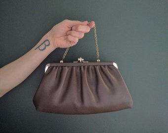 vintage 60's pleated faux leather kiss lock clutch in brown