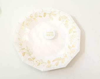 Meri Meri thanksgiving plates. Friendsgiving plates. Friendsgiving decor. Friendsgiving tableware. White with gold plates. Harvest plates