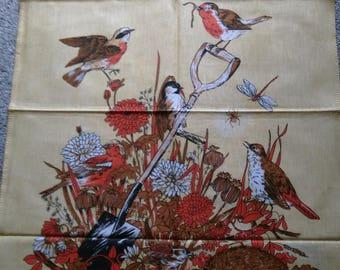 Beautiful Unused Vintage Cotton Tea/Dish Towel Of Wildlife & Birds