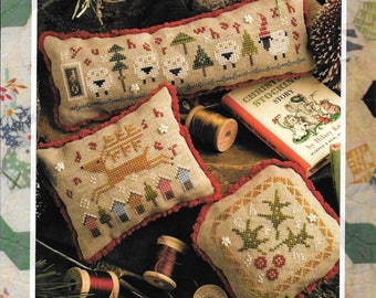 Lizzie Kate Flora McSample's 2016 Treats #177 - Christmas Counted Cross Stitch Pattern with Buttons