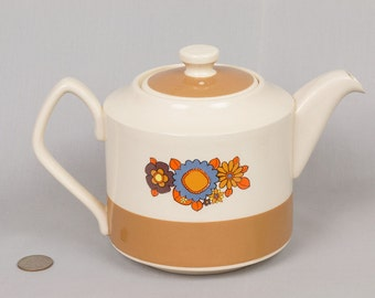 Vintage Teapot by Sadler England, no chips Gold/Cream glaze, Retro/Mod designed Daisies and leaves Flower Power, Deep fit lid, Inside glazed