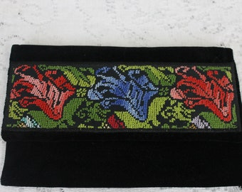 Vintage Small Black Velvet Wallet/Clutch with Old Authentic Bedouin Embroidery from Israel