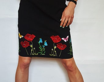 Skirt with embroidery flowers. Size S