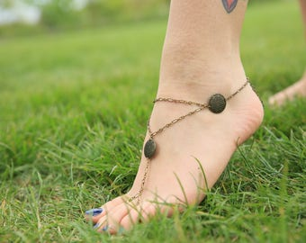 Antique style ankle jewelry