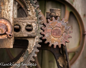 Old Gears Photo, Rusty Old Gears Photo, Old Machine Gears Photo