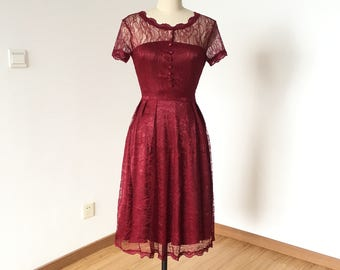 A-line Burgundy Lace Short Bridesmaid Dress 2017 with Short Sleeves