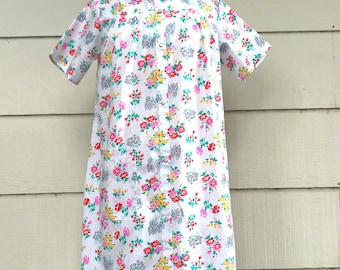 Vintage Housecoat or Robe, Sears Koffee Kasual, NOS, White Floral Housedress, Size S, Snap Front, circa 1960s