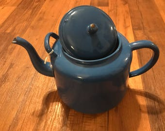 Vintage extra large granite/enamelware tea kettle