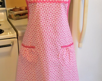 Women's Old Fashioned Grandma Style Pink Apron in XXL