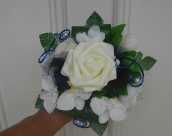 Bridesmaid bouquet, ivory and Navy witness