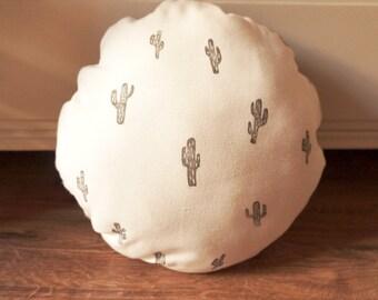 Cushion round linocut mini cactus
