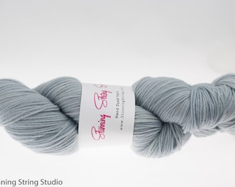 Blue Mist - Stunning Superwash Fingering Weight - 100% Superwash Merino - 100 g - 475 yds