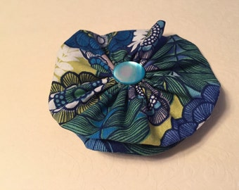 Sixtees cool fabric flower clip
