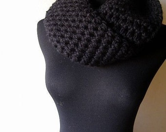 It's a Wrap Cowl Chunky Warm Neckwarmer Scarf in Black Onyx