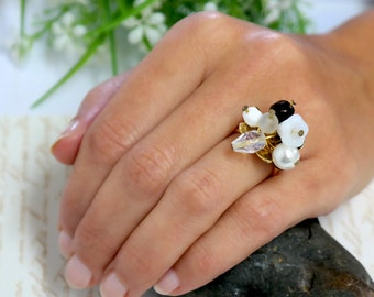 Mother Gift, Gold Floral Cocktail Ring, Gold Women Ring, Floral Swarovski Black and White Gold Ring, Gold Floral Ring, Gold Crystals Ring
