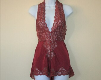 Vintage 80s Lacey Teddy T-Strap Lace Back Aconchego Med