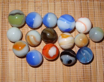 Lot of 16 Vintage Marbles / Glass Marbles / Game Marbles / Toy Marbles / Craft Supplies / Marbles Lots / Lot #121