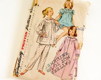 """Vintage 1950s Girls Size 8 Pajamas in Two Lengths and Nightgown Simplicity 1828 Sewing Pattern Complete, b26 w23"""""""