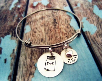 Mason Jar Wedding Date Bracelet, Southern Inspired Bracelet, Bridal Shower Gift, Gift for Bridal Shower, Barn Wedding, Rustic Wedding