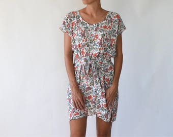 Dress / sundress / summer dress / floral dress / loose dress / belted dress / short dress