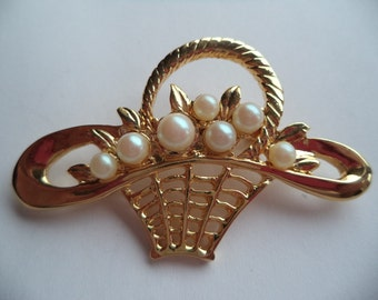 Fabulous Unsigned Goldtone/Faux Pearl Basket of Flowers Brooch/Pin