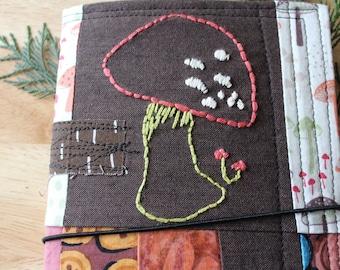 BUTTON MUSHROOM - Fabric Traveler's Notebook Cover