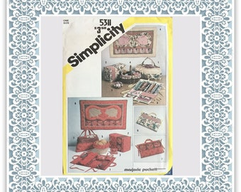 Simplicity 5311 (1981) String quilted sewing accessories and wall hangings - Vintage Uncut Sewing Pattern