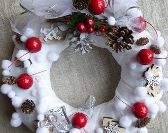 wreath Christmas white, red berries, Christmas trees: Christmas VARs