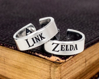 Link and Zelda Ring Set - Zelda Jewelry - Valentines Day Gift - Retro Video Games - Gamer Gift - Gifts for Gamers - Video Game Jewelry