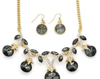 Elegant sparkling crystal necklace earrings set