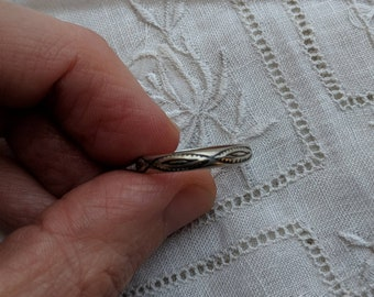 Sterling silver band ring - vintage jewelry