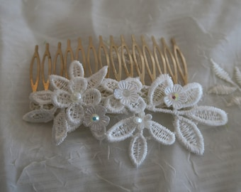 Lace Hair Comb, Floral Bridal headpiece , Wedding Hair Accessory, Vintage Boho wedding hair accessories, white winter.