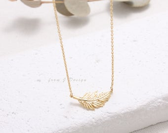 Dainty Small Feather Pendant Necklace
