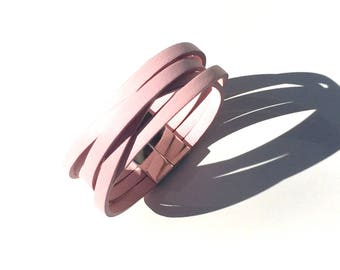 5 loop effect leather manchette bracelet for woman