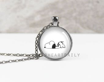 Sleeping Snoopy Pendant - Snoopy Charm - Peanuts Gang Jewelry - Snoopy Gift - Charlie Brown - Snoopy Jewelry - Snoopy Gifts -   (B9516)