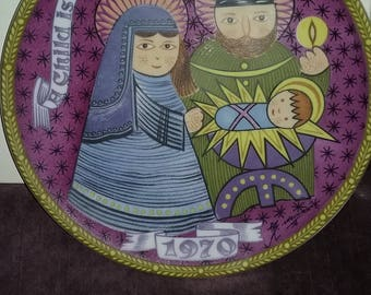 New World Christmas Series,Christmas Plate 1970 First Edition, A Child is Born Peace, Made in West Germany, Seven Seas Traders