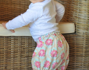 On The Move Bloomers PDF Pattern, Girls sewing pattern, Ruffled Pants Pattern, Toddler Pattern , instant download